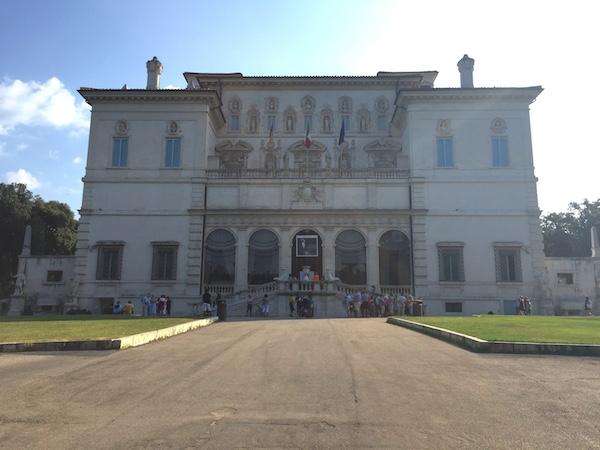 Azzedine Alaia Galleria Borghese 01